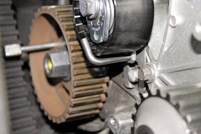 how to fit a timing belt on a peugeot 206 - professional motor mechanic