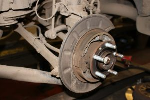 How to fit a rear wheel bearing - Professional Motor Mechanic
