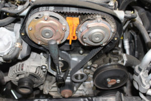 How to Fit a Timing Belt on a Vauxhall Vectra