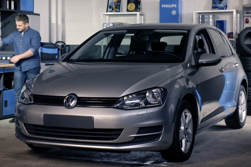 VW Golf VII; Headlight Bulb Replacement