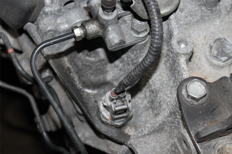 How to Fit a Clutch on a 2014 Toyota Yaris - Professional Motor Mechanic