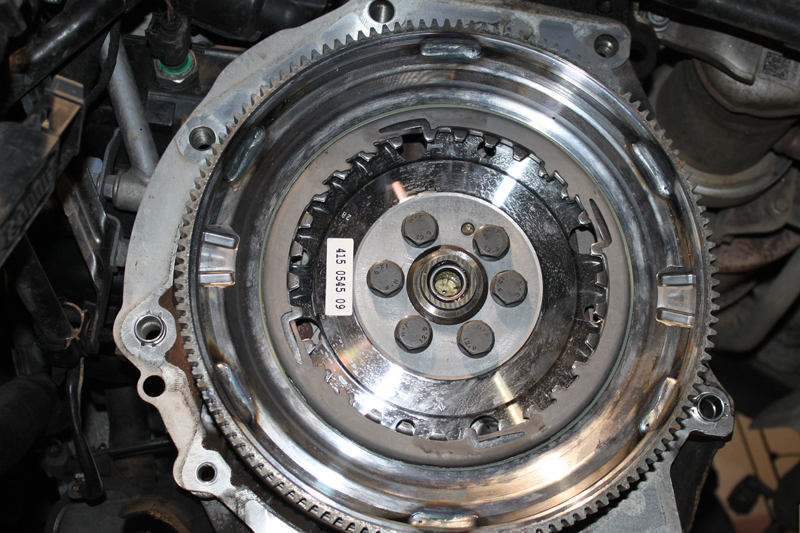 How to Fit a Clutch on an Audi A3 - Professional Motor Mechanic