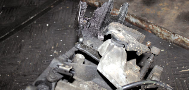 How to change a clutch on a Citroen Xsara Picasso