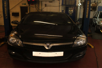How to replace a timing belt on a Vauxhall Astra H