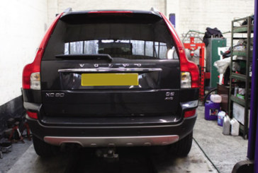 How to replace a timing belt on a Volvo XC90