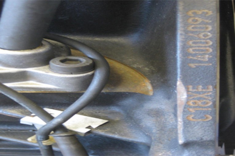 the 1 8i 16v c 18 xe engine – with varying engine displacement – is  installed in a large number of vauxhall models  in changing the timing belt,  however,