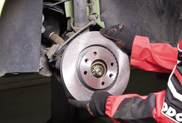 How to replace the rear brakes on a Citroen DS4