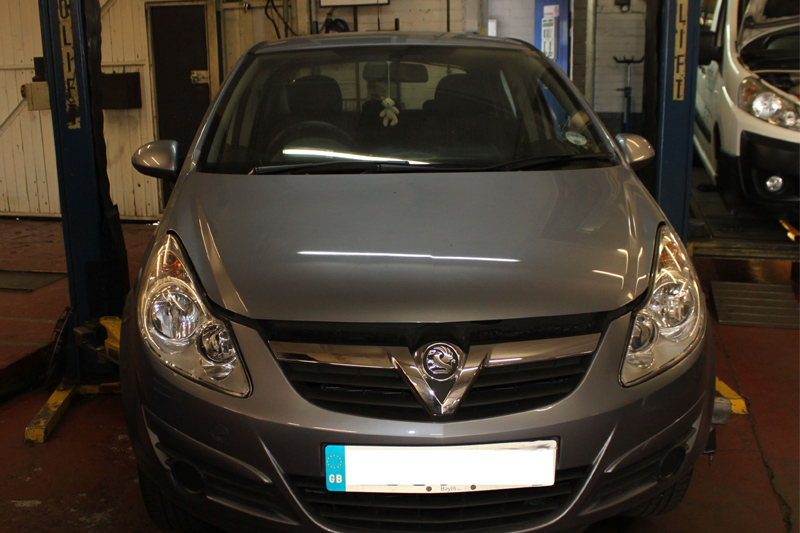 How to Fit a Clutch on a Vauxhall Corsa - Professional Motor Mechanic