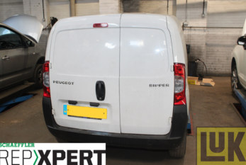 How to Replace the Clutch on a Peugeot Bipper
