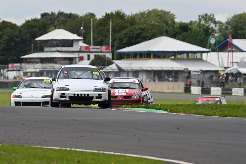 Motul partners with Castle Combe Circuit