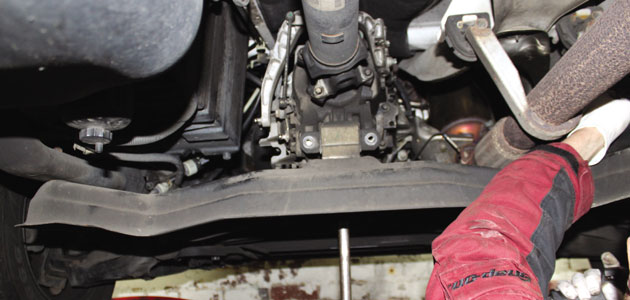 How to change a clutch on a Volkswagen Crafter - Professional Motor