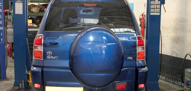 2005 rav4 d4d oil capacity
