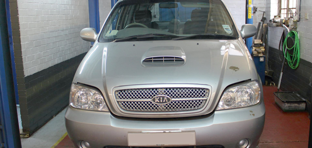 Timing belt replacement - Kia Sedona 2 9 CRDi - Professional